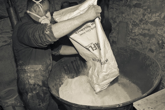 Stoneware clay processing