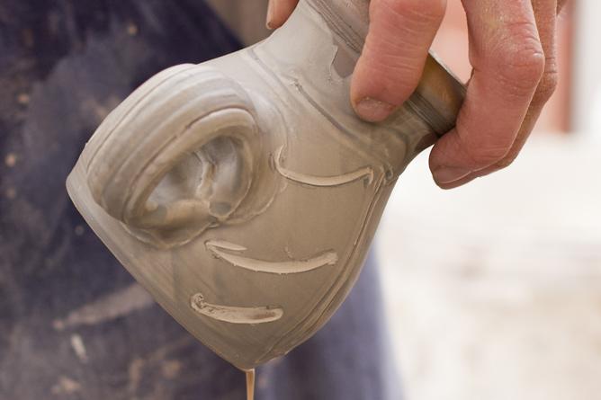 Glazing raw pot