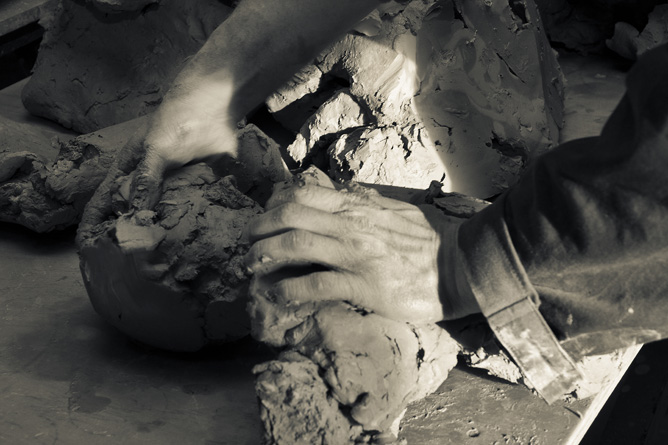 stoneware clay hand processing