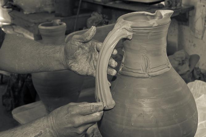 Decorating jug handle